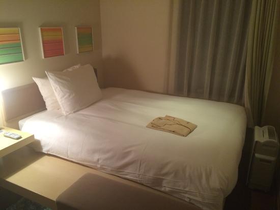 Hotel Resol Ikebukuro: お部屋はいたってシンプルでコンパクト