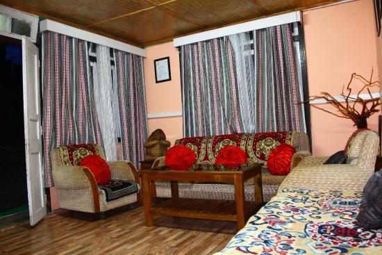 Mangan, Índia: SankalangSampoLee, Living Room.