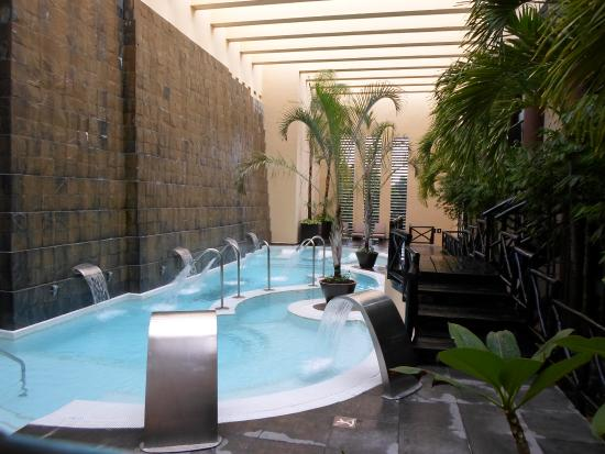 Indoor hydro pool picture of catalonia riviera maya for Hydroponic pool