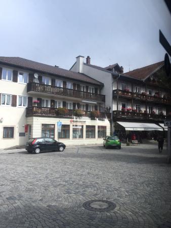 Oberammergau Museum : cobbled street town