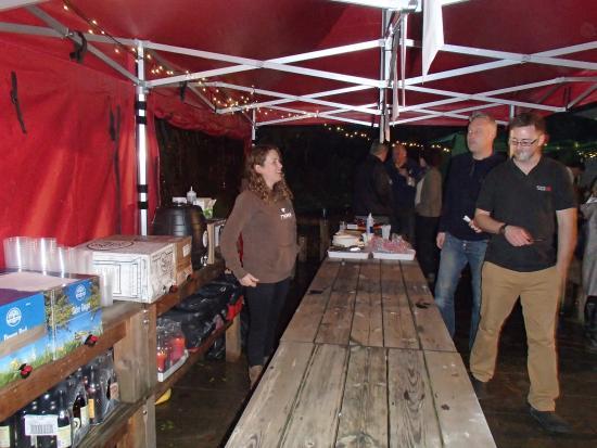 Drewe Arms: Outside bar