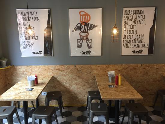 Design, familiarità qualità.... - Foto de Burbee - Artisanal burger ...
