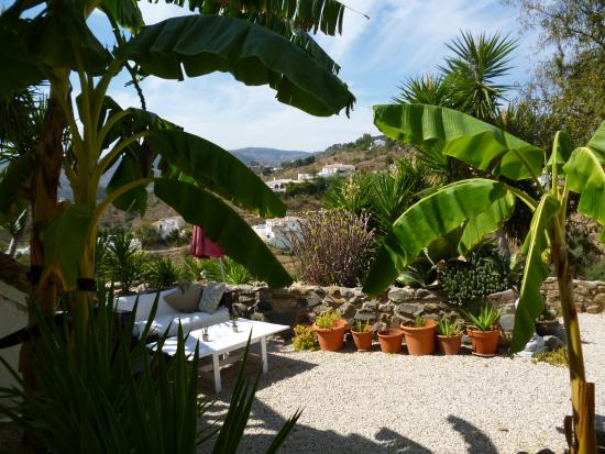 Active Andalus: a view from the villa