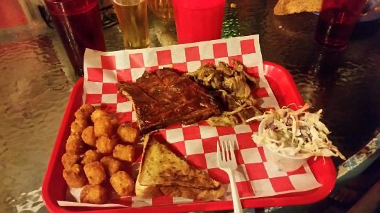 Redbone's Bar & Grill