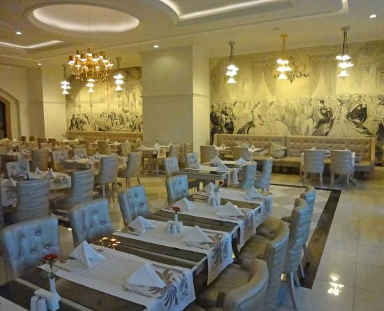 lammkotteletten im italienischen spezialitäten-restaurant, Esstisch ideennn