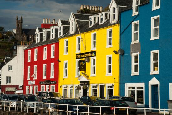 A Jewel On Colourful Seafront The Mishnish Hotel
