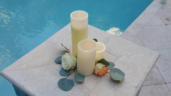 Watergarden Inn at the Bay: Candles in the day
