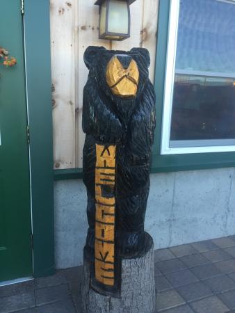 Hungry Bear Restaurant : he's outside to greet you
