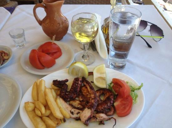 Menqa L'Antika: морепродукты