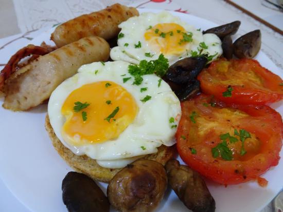 Como Bed and Breakfast: English Breakfast