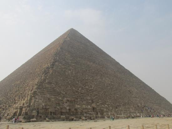 a discussion about the great pyramids of khufu Khufu's full name was khnum-khufwy, which means '[the god] khnum protect me' he was the son of sneferu and queen hetepheres i, and is believed to have had three.