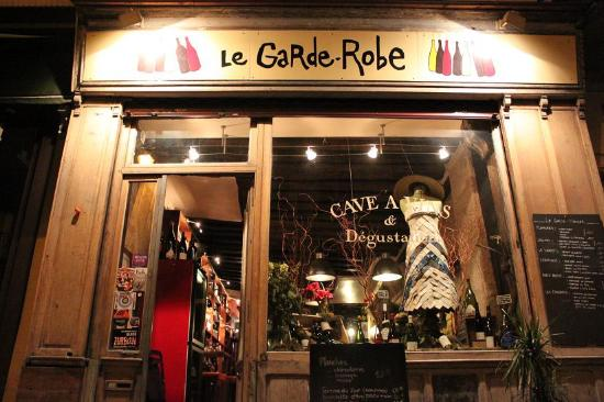 our amazing large meat and cheese plate picture of le garde robe paris tripadvisor. Black Bedroom Furniture Sets. Home Design Ideas