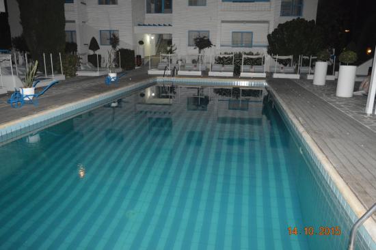 Tasmaria Hotel Apts.: pool
