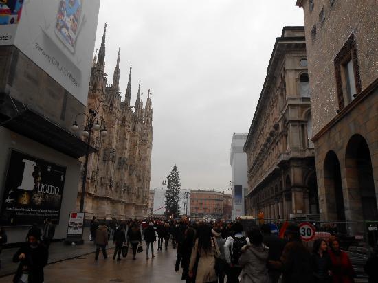 Corso vittorio emanuele ii foto di corso vittorio for Corso di grafica milano