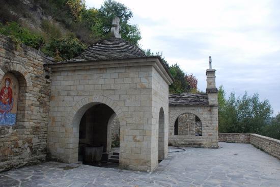 Lyadovskiy Svyato-Useknovenskiy Skalny Monastery