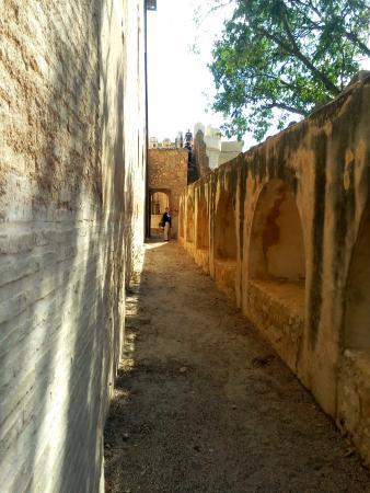 Castillo de Benisano: Murallas exteriores