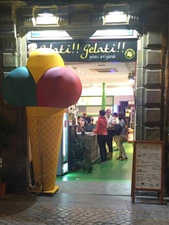 5f10fc79ec7b3 Gelati gelati de la calle sombrerería 14 del casco viejo - Picture ...