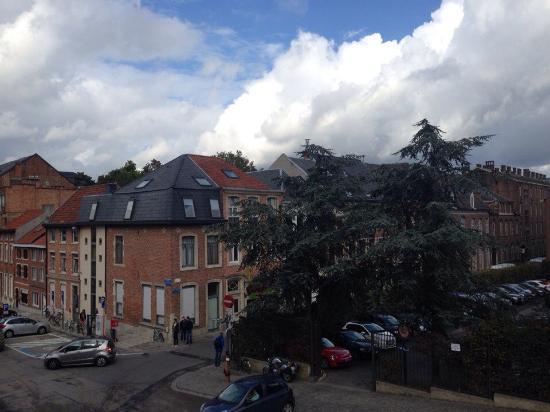 Hotel New Damshire: Вид из окна