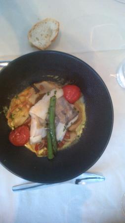 Auberge du Pecheur : Turbot au coeur d'artichaut, asperges et tomates