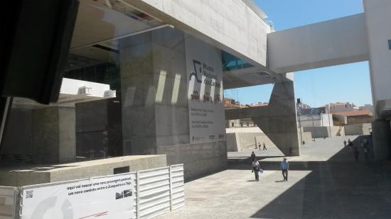 Museu Nacional dos Coches: Prédio Atual