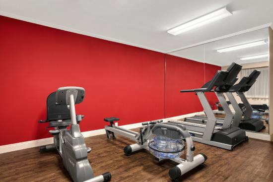 Ramada Torrance: Fitness Center