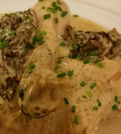 Passenans, Prancis: Que fait cette ciboulette dans le poulet aux morilles à  la crème  ?