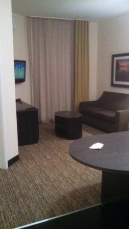 Candlewood Suites Tupelo North: Kitchen/Living Room for One Bedroom Suite