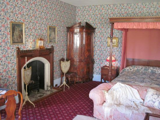 Knightshayes Court: The Ladies Bedroom At Knightshayes (28/Oct/15).