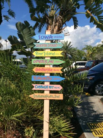 Parrot Key Caribbean Grill: What direction?