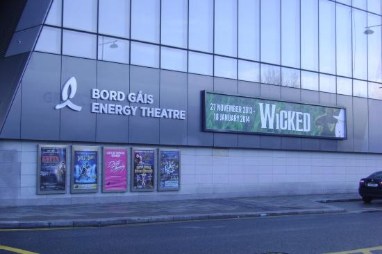 bord gais theatre grease ~ view from the stalls  picture of bord gais energy theatre