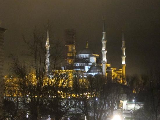 Hotel Turkoman: Blue Mosque at Night
