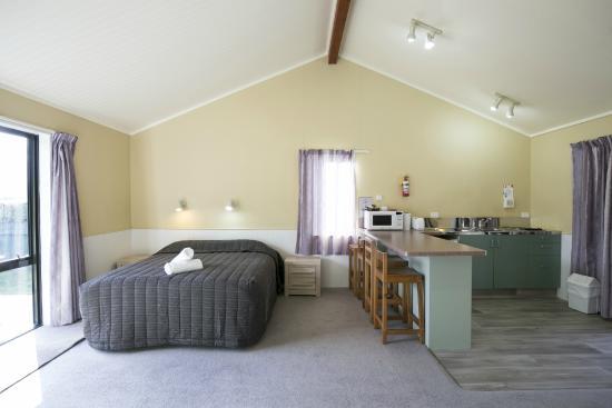 Wanaka Kiwi Holiday Park & Motels : Family Studio sleeps 1-4