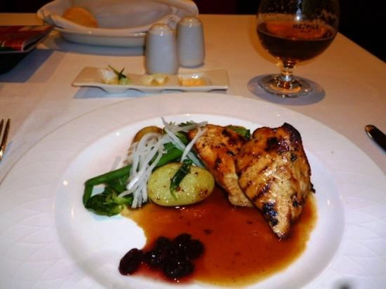 Hotel Avalon : charrred chicken breast