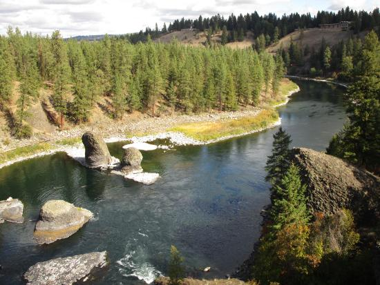 Riverside State Park : Spokane River from the rock outcropping (east side)