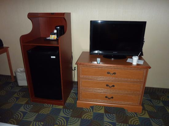 Quality Inn & Suites Fishkill: Room