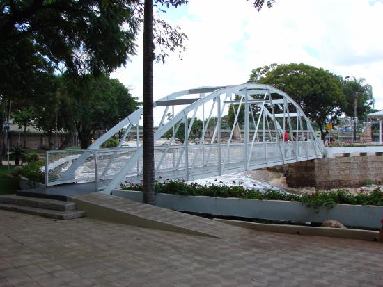 Monumento os Enamorados - Ilha dos Amores