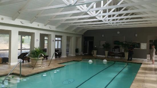 Fordoun Spa Hotel Restaurant : Indoor swimming pool in the spa complex and the old farm buildings converted into 5 star rooms
