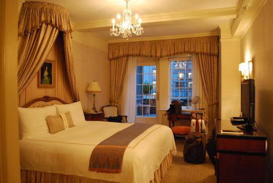 Hotel Elysee by Library Hotel Collection: The most romantic room in the world!