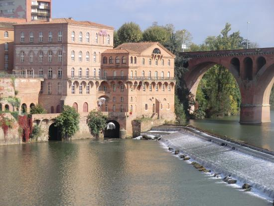 view of hotel and river tarn picture of mercure albi. Black Bedroom Furniture Sets. Home Design Ideas