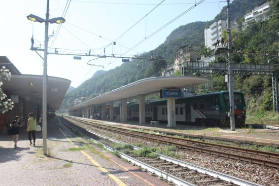 ‪Como San Giovanni Railway Station‬