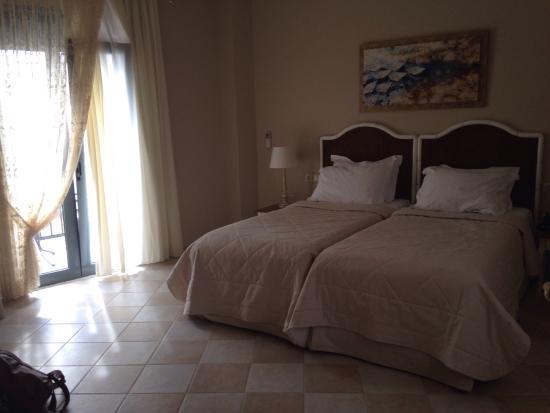 Ionia Suites: photo0.jpg