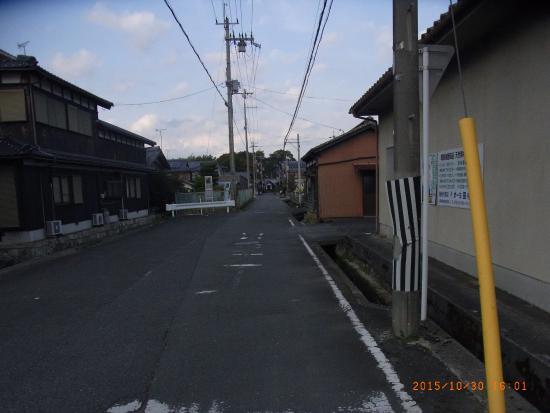 Harie Shozu no Kabata: 針江の入口