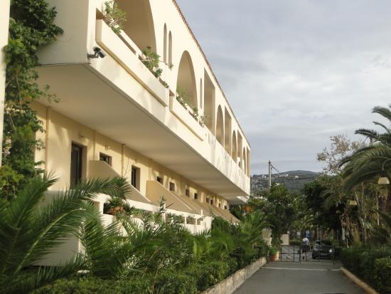 Marino's Beach Hotel Apartments照片