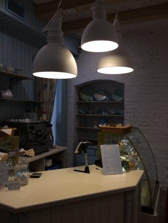 Le Nuage Cafe Dessert Restaurant