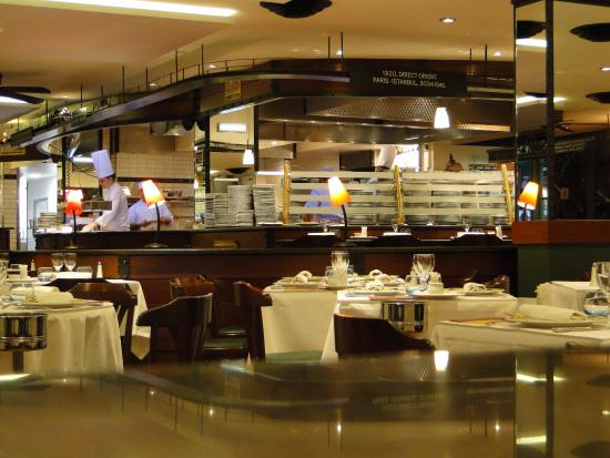Picture of brasserie l 39 est lyon tripadvisor for 2 filles en cuisine lyon