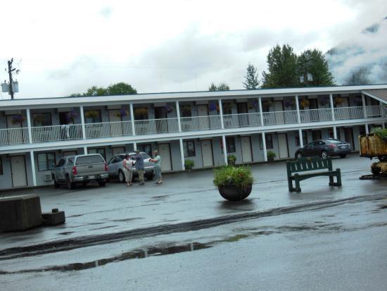 King Edward Hotel & Motel : King Edward Motel, Stewart