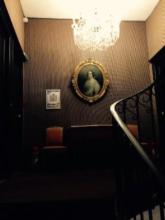 Nieul, Франция: Лестница