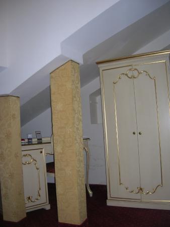 Residenza Ruga Giuffa: наш номер, справа от входа