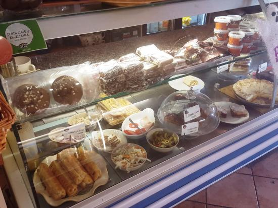 Beans & Leaves: Cakes and salads
