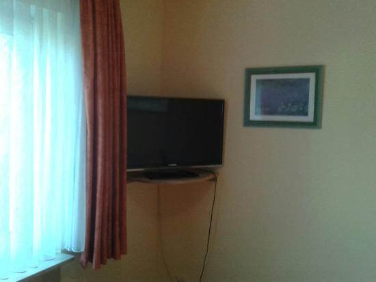 Hotel Rheintal : Das Zimmer mit Bad